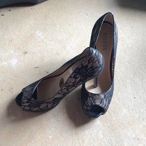 Black and Tan lace heals